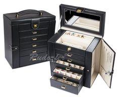 http://www.cutiibijuterii.eu/casete-pt-bijuterii/casete-bijuterii/caseta-pt-bijuterii-model-7240-pe-negru/7240.99