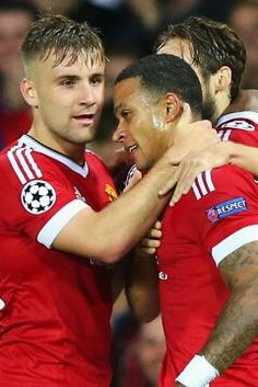 Luke Shaw loves the link up on the left with Memphis