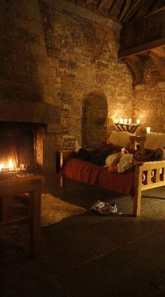 Ballyportry Castle, Ireland available for weekly rentals. Vila Medieval, Chateau Medieval, Medieval Life, Medieval Castle, Beautiful Castles, Beautiful Places, County Clare, Palaces, Architecture