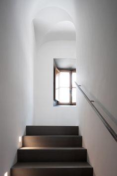 Stair light details John Pawson - Montemaggio Estate