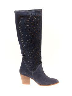 #Cizme de Vara dama lungi perforate cu toc Moda Italiana Albastru -> http://www.fashion8.ro/cizme-de-vara/1505-cizme-de-vara-dama-lungi-perforate-cu-toc-moda-italiana-albastru