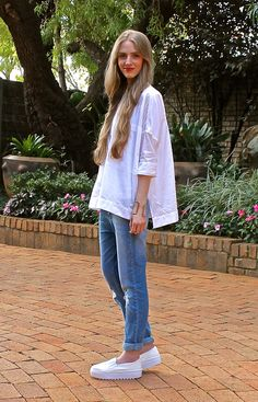 Fashionable Passion: {22. 04. 15} Classic White Shirt and Blue Jeans