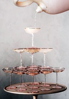 Retro meets modern wedding inspiration in sparkling shades of blush, champagne, gold, and copper just in time for New Year's Eve! Cheers, Champagne Tower, Champagne Fountain, Rose Champagne, Champagne Images, Cocktail Images, Vintage Champagne Glasses, Champagne Coupe Glasses, Champagne Saucers