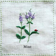 2016.06.16 thu * Mint「ミント」 * 花の部分は本数を少なくしたフレンチノットで。 繊細な感じに刺せました。 * 青木さんの図案より。 * #刺繍 #青木和子 #庭図鑑のモチーフクロス #ホビーラホビーレ