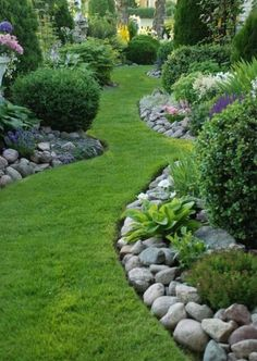 Low Maintenance Front Yard Landscaping Ideas 28