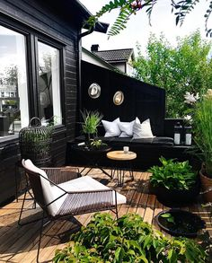 Last days of summer living. Love how the green pops against the black. Last days of summer living. Love how the green pops against the black. Outdoor Rooms, Outdoor Living, Outdoor Furniture Sets, Outdoor Decor, Outdoor Balcony, Small Outdoor Spaces, Bohemian House, Patio Interior, Interior And Exterior