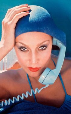 Norman Parkinson Jerry Hall, Jamaica, British Vogue, limited edition of Jerry Hall, Photo Portrait, Portrait Photography, Fashion Photography, Glamour Photography, Photography Magazine, Norman, Retro Mode, Swim Caps