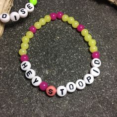 "Bracelet neon gumball candy ""Hey Stoopid"" Alice Cooper quote tribute metal par Stormglitter sur Etsy https://www.etsy.com/fr/listing/485881395/bracelet-neon-gumball-candy-hey-stoopid"