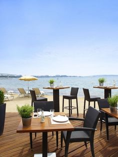 TOP 10 Beach bar terraces/: majestic barriere cannes France