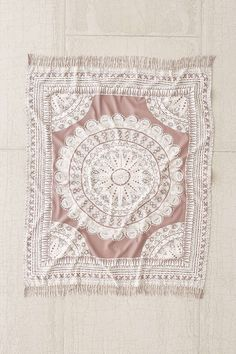 Plum & Bow Odessa Medallion Throw Blanket