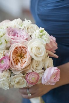 Blush and peach bouquet with garden roses and ranunculus