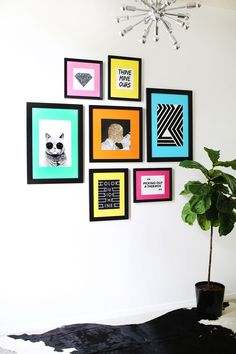 Bright colors and black frames - wall gallery ideas
