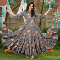 Searching for a dress that's feminine, flirty and altogether fashionable? Discover a fit and flare dress. Designer Sarees Wedding, Designer Anarkali Dresses, Designer Party Wear Dresses, Kurti Designs Party Wear, Stylish Dresses For Girls, Stylish Dress Designs, Dress Neck Designs, Frocks For Girls, Frock Fashion