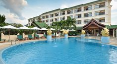 Krabi Heritage Hotel Ao Nang Beach Just 300 metres from the beautiful Ao Nang Beach, Krabi Heritage Hotel offers a large outdoor pool lined with sun loungers. Its air-conditioned rooms offer panoramic sea or mountain views, which can be enjoyed from a private balcony.