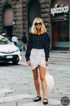 Milan Fashion Week Street Style Just Landed — and We Are Here For All the Outfit Inspo Milan Fashion Week Street Style, Street Style 2018, Spring Street Style, Milan Fashion Weeks, Chic Outfits, Spring Outfits, Woman Outfits, Birthday Dinner Outfit, Dots Fashion
