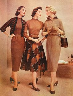 Snapped Garters: 1957 Fashions -- IN COLOUR! Source by cosplaysewingschool fashion dress 40s Mode, Retro Mode, Retro Outfits, Vintage Outfits, Feminine Mode, Decades Fashion, Vintage Fashion 1950s, Fifties Fashion, Vintage Hats