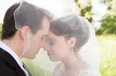 Hochzeitsportrait Schleier Brautpaar Weingarten (Baden) Kinmara Fotografie #wedding #hochzeit #schleier #bride #braut #brautpaar #groom #veil #romantic #romantisch #germany #german #deutschland #baden #weingartenbaden #weingarten #brautpaarfotos #fotos #hochzeitsfotograf #kinmara