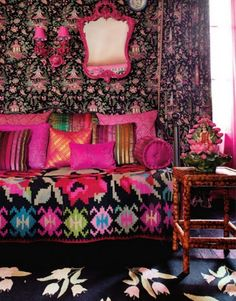 My Bohemian Home ~ Living Rooms colors for zoes room Design Living Room, Home Living Room, Sala Oriental, Room Colors, House Colors, Interior Bohemio, Estilo Kitsch, Motifs Roses, Living Colors