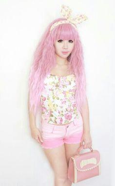 Kawaii fashion ~ j fashion ~ harajuku ~ gyaru ~ fairy kei ~ lolita fashion ~ gothic lolita ~ pastel goth ~ hime gyaru