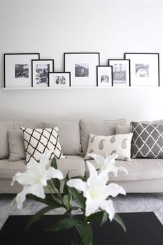 Inspiration Wall, Living Room Inspiration, Interior Inspiration, Wall Decor Arrangements, Monochrome Interior, Beautiful Houses Interior, New Living Room, Interiores Design, Home Bedroom