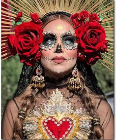 10 Stunning Makeup Ideas for Halloween Halloween Makeup Looks, Halloween Make Up, Halloween Party, Halloween Costumes, Halloween Dress Up Ideas, Halloween Inspo, Halloween 2020, Costume Catrina, Maquillage Sugar Skull