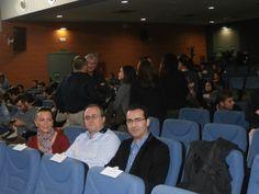 Esperando en el aula magna de la Universidad de Jaén