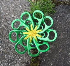 pop tab flowers the kids would have a blast making these