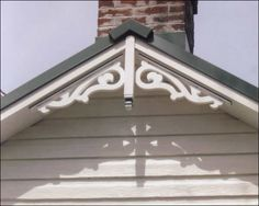 Another close-up of Gable Photo 25 Craftsman Exterior, Cottage Exterior, Exterior Trim, Exterior House Colors, Victorian Sheds, Victorian Homes, House Siding, Facade House, Gable Trim