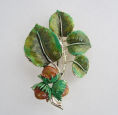Hazelnuts Brooch Pin Woodland Leaf Range Gold Tone Metal 1960's By Exquisite