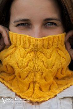 Купить Снуд вязанный, косами, из полушерсти, желтый - желтый, однотонный, снуд с косами, снуд вязаный