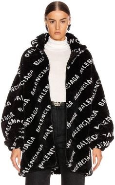 Pop Fashion, Luxury Fashion, Fashion Outfits, Fashion Goth, Balenciaga Jacket, Professional Outfits, Outfits For Teens, Plus Size Fashion, Zip Ups