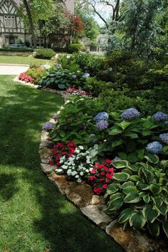 Incredible Flower Beds Ideas To Make Your Home Front Yard Awesome 300