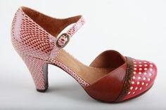 Had ik deze in alle mogelijke kleurencombi's.... wat een mooie schoentjes....Precies de goede hakhoogte, klein beetje plateau, ronde neus en een bandje....zucht....