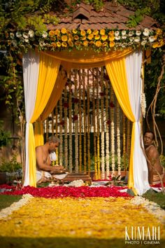 Mandap Madness: Get Ready For Spring With Outdoor Mandaps!