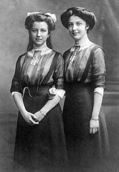 hair for party guest for sound of music. Their Imperial and Royal Highnesses Archduchess Elisabeth Franziska and Archduchess Hedwig of Austria Kaiser Franz Josef, Franz Josef I, European History, Women In History, Vintage Photographs, Vintage Photos, Luis Iv, Impératrice Sissi, Casa Real