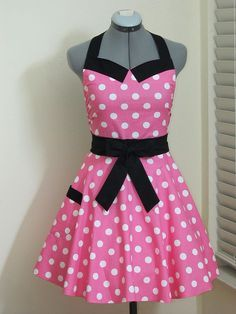 Minnie Mouse Apron..if I knew I'd look adorable while doing it maybe I'd be more inclined to learn how to cook. :p