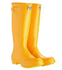 Yellow wellies for leaf kicking Hunter Wellington Boots, Yellow Wellies, Yellow Rain Boots, Wellies Boots, Hunter Rain Boots, Mellow Yellow, Bright Yellow, Yellow Accents, Yellow