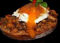 Topinka se žampionovou směsí Baked Potato, Hamburger, Brunch, Eggs, Potatoes, Beef, Snacks, Baking, Breakfast