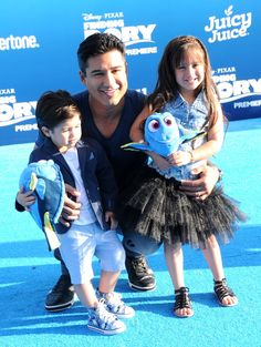Pin for Later: Sorry, Dory, but Mario Lopez and His Family Are Way Cuter Than Any Pixar Movie