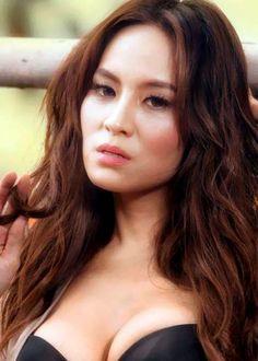 Chantal Della Concheta, a gorgeous Indonesian celeb and ex TV presenter