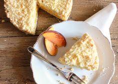 Easy Italian Fresh Peach Crumb Cake, a delicious peach dessert recipe,snack, dessert or even breakfast. Alone or with ice cream.Perfect!