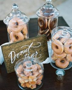 Every wedding needs a donut bar! Donut Birthday Parties, Donut Party, Grad Parties, Party Snacks, Baby Shower, Bridal Shower, Donut Bar Wedding, Cookie Bar Wedding, Candy Bar Wedding