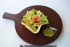 Cestino di insalata con asparagi, uova e prosciutto e Olio Flaminio Fruttato! Una ricetta veloce, adatta per un pranzo veloce, oppure per una scampagnata. http://danieladiocleziano.blogspot.it/2012/04/cestino-di-insalata-con-asparagi-uova-e.html