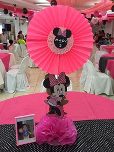 Minnie Mouse Decorations, Minnie Mouse Theme Party, Minnie Mouse 1st Birthday, Minnie Cake, Mickey Minnie Mouse, First Birthday Parties, Birthday Party Themes, 2nd Birthday, Plastic Bag Crafts