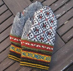 Lappone: BALTIC - Mittens in twined knitting