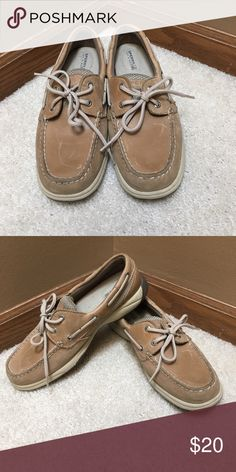 Tan Women's Sperry lightly worn women's sperry shoes Sperry Top-Sider Shoes Flats & Loafers