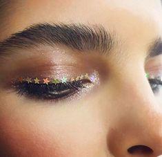 makeup no eyelashes makeup over 40 tutorial makeup for hooded eyes makeup glitter glue eye makeup trends makeup inspiration when makeup without makeup photo Makeup Trends, Makeup Inspo, Makeup Art, Makeup Inspiration, Beauty Makeup, Runway Makeup, Makeup Goals, Makeup Tips, Makeup Ideas