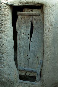 doorway   Mali.  Photo bindubaba Flickr - Photo Sharing!