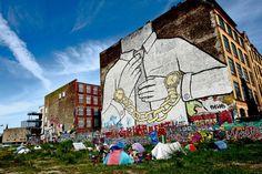"""A vida na primeira favela da Alemanha. A primeira """"favela"""" de Berlim reúne sem-tetos e ativistas contra gentrificação. Moradores rejeitam o termo favela e preferem se referir ao local como acampamento. via @jnjrgns"""