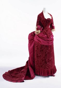 1870 Evening Gown...love love love love...